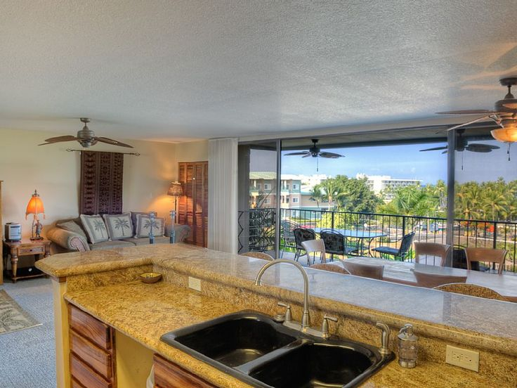 Fabulous Condo With 180 Degree Unobstructed Oceanfront View Across Street From Best Kid Friendly Snorkeling B