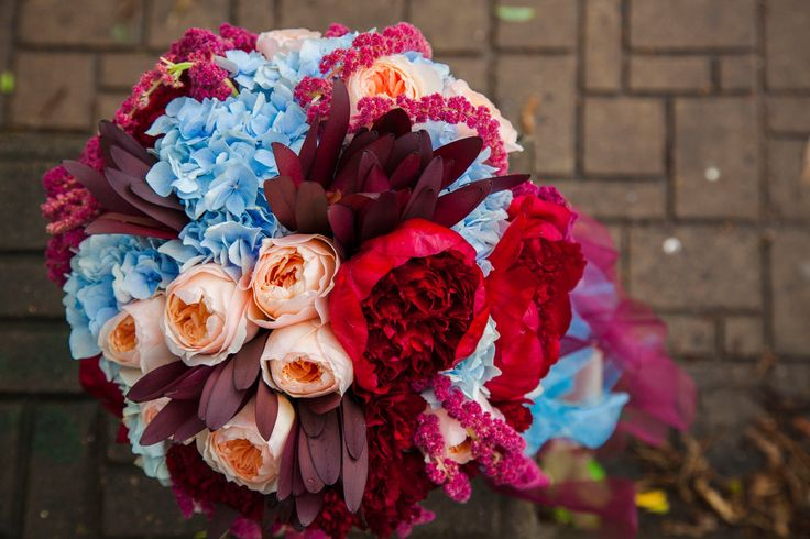 Colorfull bridal bouquet
