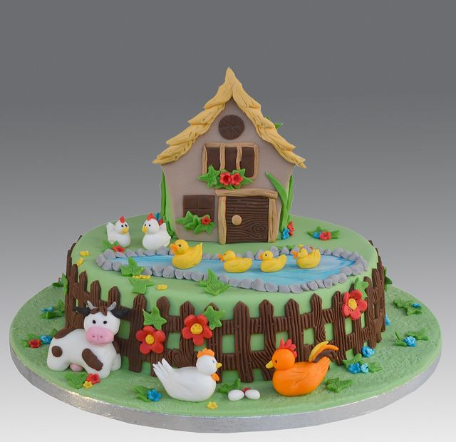 1000 images about animal farm cakes cupcakes on for Animal cake decoration