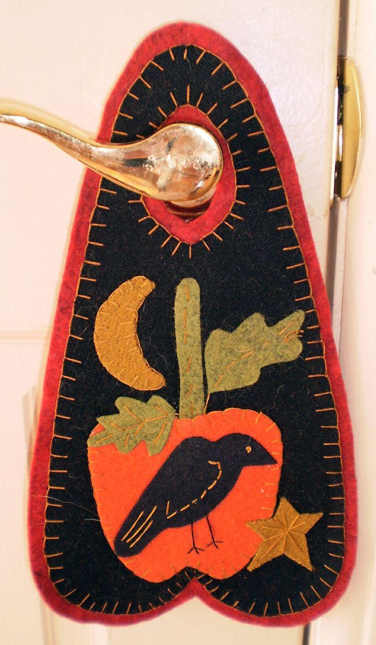 BLACK CROW and PUMPKIN Penny Rug Door Hanger