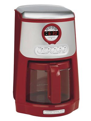Java Studio Coffee Maker : 1000+ ideas about Red Coffee Maker on Pinterest Le creuset, Le creuset colors and Coffee