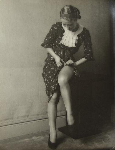 Monsieur X - Portraits de femme, c. 1930.