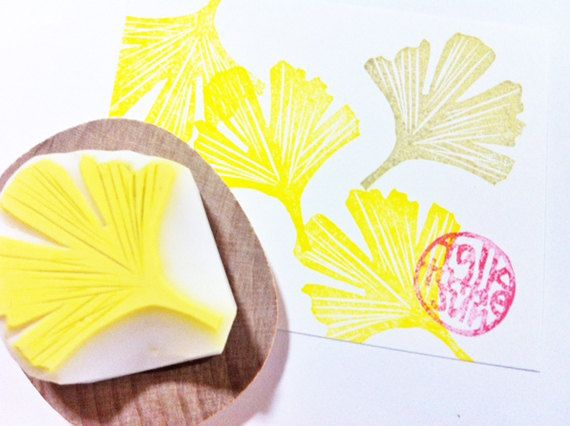 ginkgo  leaf rubber stamp. hand carved rubber stamp. hand carved stamp. leaf pattern. autumn leaf. card making. mounted. small. on Etsy, $11.25 AUD