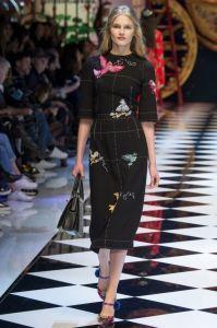 Черное платье с птицами