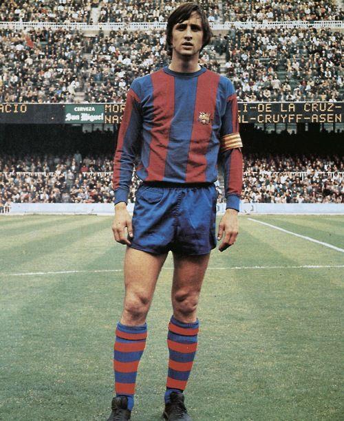Cruyff via ChancesmakechampionsMesqueunclub Johancruyff, Fc Barcelona, Football, Johan Cruijff, Johan Cruyff, Sports, Beautiful Games, Soccer, Fcbarcelona Barça