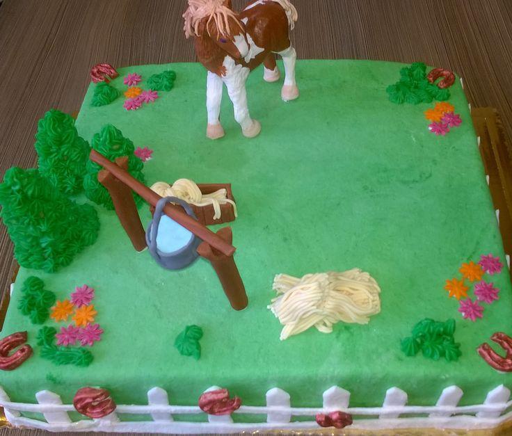 cake horse