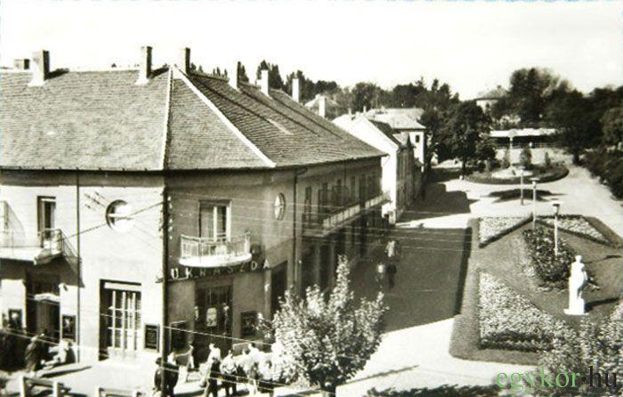 Gyöngyvirág cukrászda és a Felszabadulás tér, Dr. Moll Károly tér, 1965-69