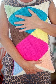 love this pillow #crochet #colorblock