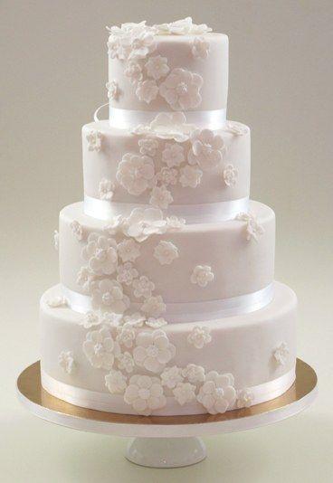 Weißer Tortentraum - Hochzeitstorte bestellen