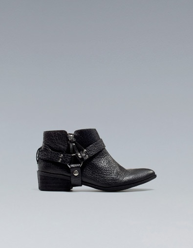 Bucked boots yeaaaah. ---- FLAT ANKLE BOOT WITH TRIM - Shoes - Woman - ZARA United States