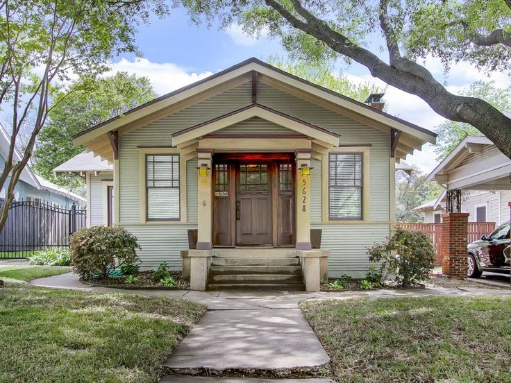 Historically renovated craftsman bungalow sweet homes for Craftsman style homes dfw