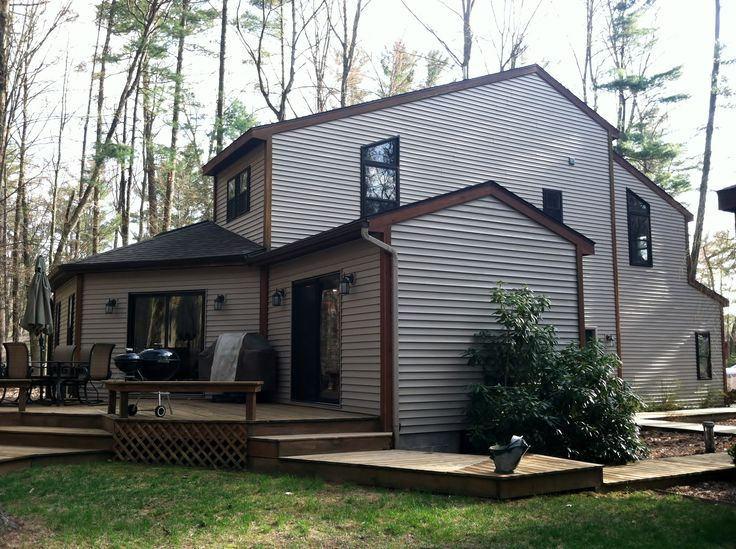 Home In The Woods Near Water With Room For All Of Your Hunting And