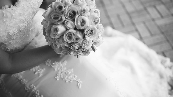 Do love this shot! Beautiful detail in the lace