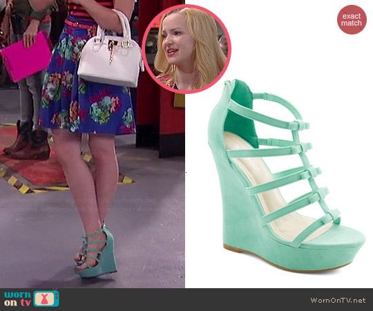 Liv's mint green wedges on Liv and Maddie. Outfit Details: http://wornontv.net/46301/ #LivandMaddie