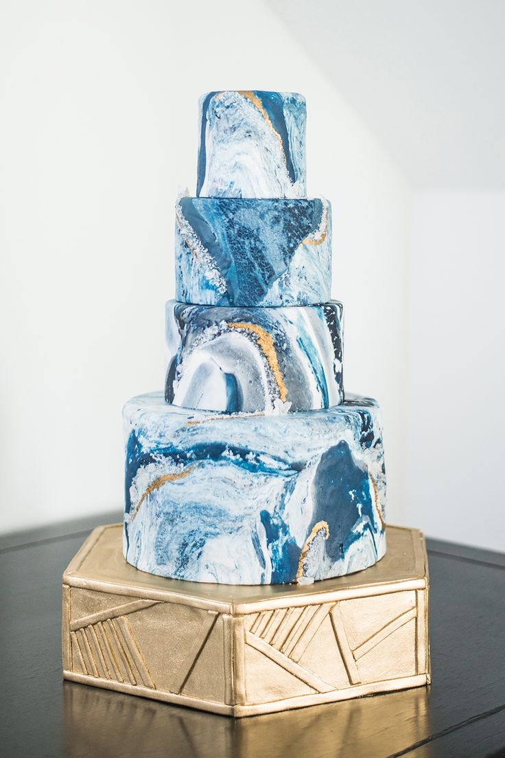 geode inspired wedding cake - http://ruffledblog.com/art-gallery-inspired-wedding-shoot-with-agate #weddingcake #cakes