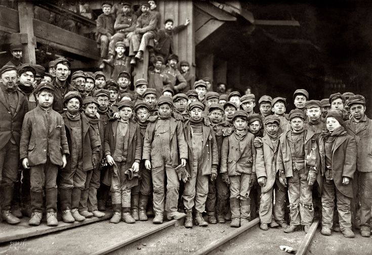 "January 1911 - South Pittston, Pa. ""Breaker boys working in Ewen Breaker of Pennsylvania Coal Co."" Photograph by Lewis Wickes Hine"