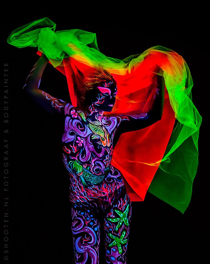 25 best images about bodypaint neon blacklight reactive on pinterest the games body paint and tat. Black Bedroom Furniture Sets. Home Design Ideas