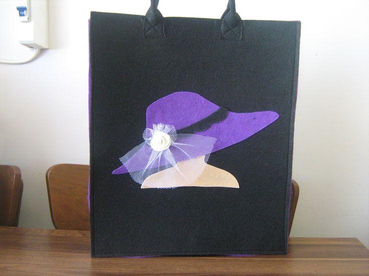 şapkalı çanta