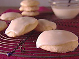 Lemon Ricotta Cookies with Lemon Glaze: cookies by Giada Laurentiis, might be like Hester's cookies