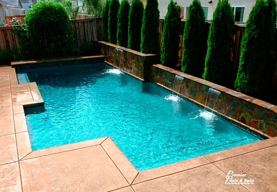 Good size pool for a small backyard pools hot tubs for Pictures of small inground pools