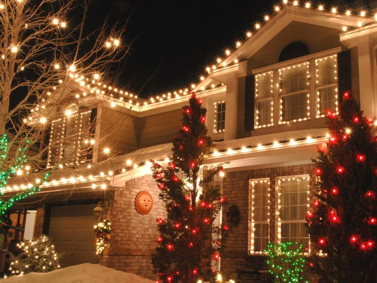 'Tis the season for #holiday outdoor lighting tips for your home: http://www.neighborhoodiq.co/2013/12/holiday-outdoor-lighting-tips/