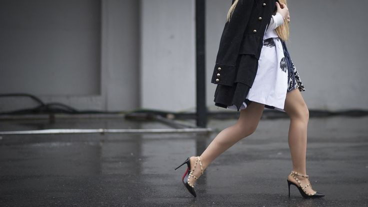 Are High Heels Supposed To Be Loose? 7 Burning Questions About Buying And Wearing Them, Answered | Bustle