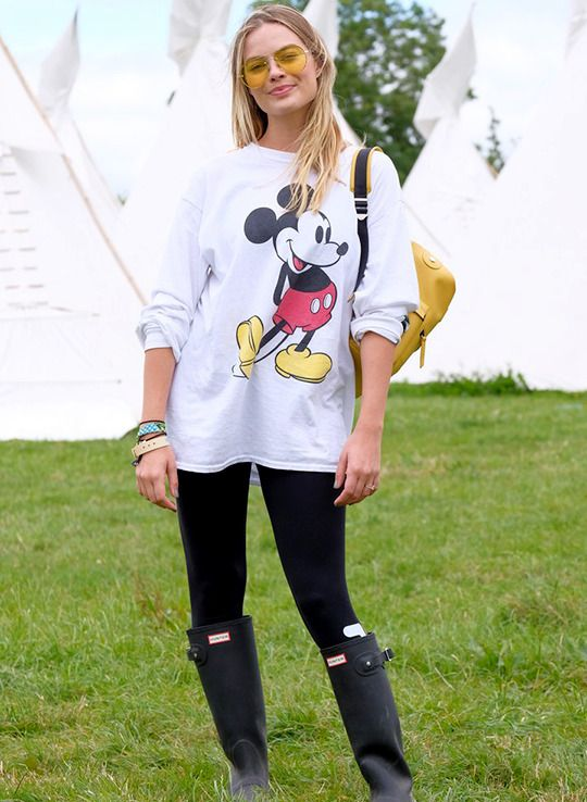 Margot Robbie at the Glastonbury Festival, 2017.