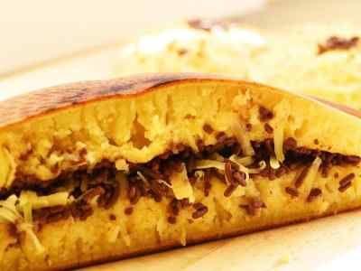 Martabak Manis - Disini ada cara membuat kulit resep martabak manis mini keju asin asli bangka mesir holland india bandung san fransisco terang bulan bogasari anti gagal.