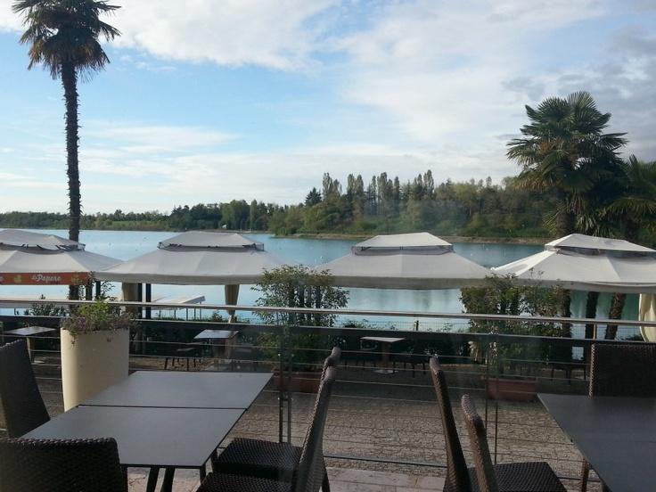 Vista sul Lago Le Bandie dal ristorante BanThai, cucina thailandese a Treviso - Thai Si Royal Thai Spa : vivi la magia della Thailandia a Treviso - dal blog di @Alessia Milanese