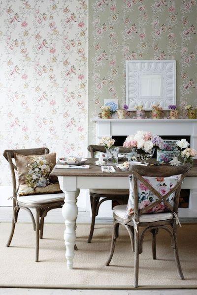 table peinte blanc acheter une table premier prix en pin et repeindre le plateau en taupe et les. Black Bedroom Furniture Sets. Home Design Ideas