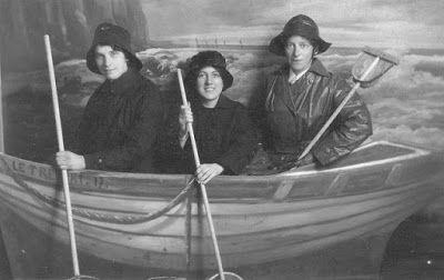 Olive Tree Genealogy Blog: Nursing Sister Phillips WW1 Album: 1R 3 Nursing Si...