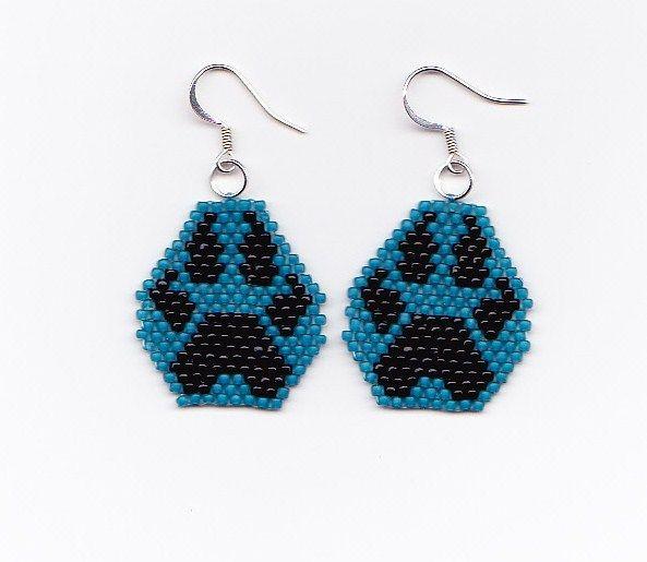 Native American Seed Bead Patterns | Beaded Wolf Paw Earrings - NativeWorksJewelry.com | NativeWorksJewelry ...