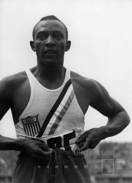 Jesse Owens (Leichtathlet USA) - vierfacher Olympiasieger (100m, 200m, 4x100m-Staffel, Weitsprung) | Olympische Spiele 1936 in Berlin