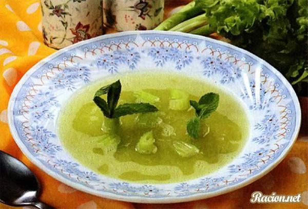 Рецепт Холодный суп из сельдерея. Приготовление     блюда