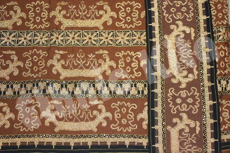 "Traditional Woven Lampung Tapis, with ""clasic sailing ship"" motif.    Measurements : Length: 120cm x Width: 80cm   Material : Brown Saroong Woven, with Twisted threads of cotton and gold thread   Motif : Clasic Sailing Ship   Ethnic Of : Lampung, Sumatera   Description :  - Regioal Origin: Lampung, Indonesia"