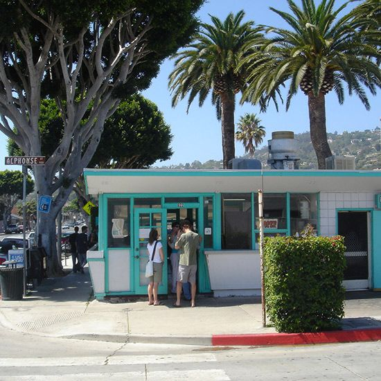 Santa Barbara, CA: La Super-Rica Taqueria. ok, this is in Santa Barabara, but worth the drive!!!