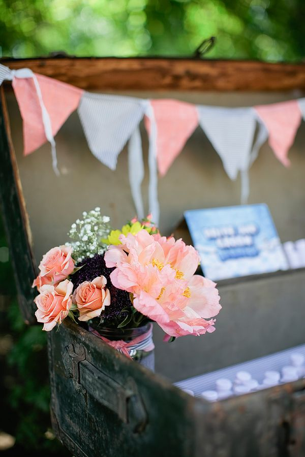 get a vintage suitcase, add a banner and some florals and voila, a perfect place for guests to put their cards #supercute #cardholder #weddingdecor http://www.weddingchicks.com/2013/11/01/portland-backyard-wedding/