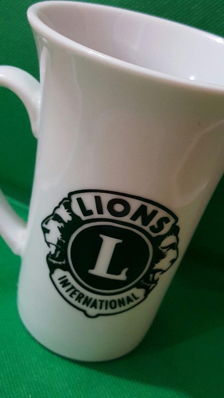 Cup made in vinyl for the Club de Leones UPRA. Cricut!