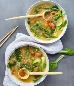 """letscookvegan:  Thai Style Vegan Ramen by @shanyaraleonie   Recipe: Makes 1 large serving or 2 """"small"""" servings Ingredients Vegetable stock (either you use readymade or make your own) 1 clove garlic, chopped 1/2tsp galangal powder or 1 knob fresh galangal 1 tbsp freeze-dried lemongrass or 1 stalk fresh lemongrass finely chopped up 1 tsp kaffir lime powder or 1 fresh kaffir lime leaf large splash japanese rice mirin as sweetener (use whatever you have/want to sweeten) 1 piece dried…"""