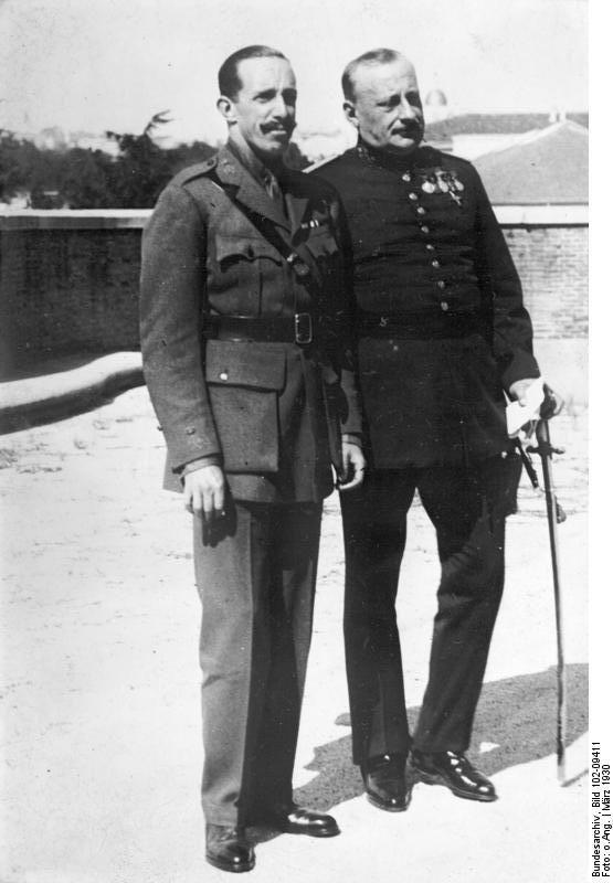 Bundesarchiv_Bild_102-09411,_Primo_de_Rivera_und_der_König_von_Spanien.jpg (555×800)