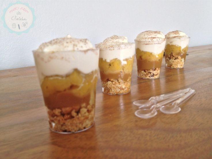 É Banoffee, mas é mini! Que tal a versão verrine dessa torta inglesa? A receita e os truques dela no blog: http://www.muitoalemdacozinha.com/recipe-view/banoffee/