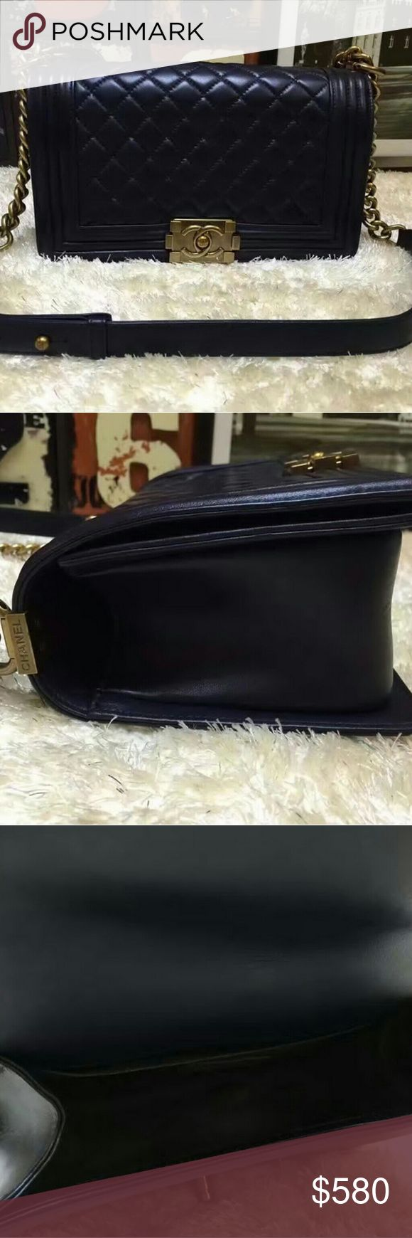 """Discount handbags bags read description To see more photos on Instagram ID: """"bellayeezycom"""" . pls comment your email or contact us so that we can give you new discounts and show you many good reviews. WhatsAPP: +8617128079630 or Email: toplvbags@outlook.com also welcome to comment your email or whatsapp for new discounts. thank you chanel Bags"""