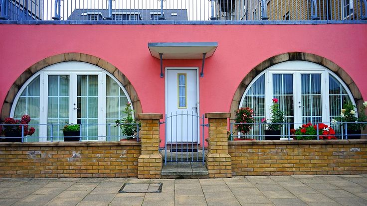 Curb Appeal: Tweak The First Things Your Guests See