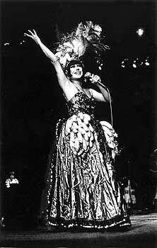 Elis Regina a la Miranda, show Falso Brilhante (1976)