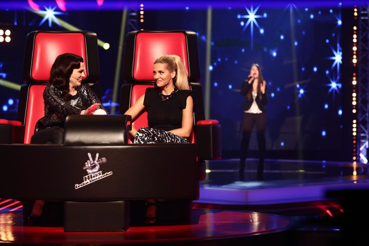 Marta Jandová a Dara Rolins ve speciálním dvojkřesle. http://hlascs.nova.cz/