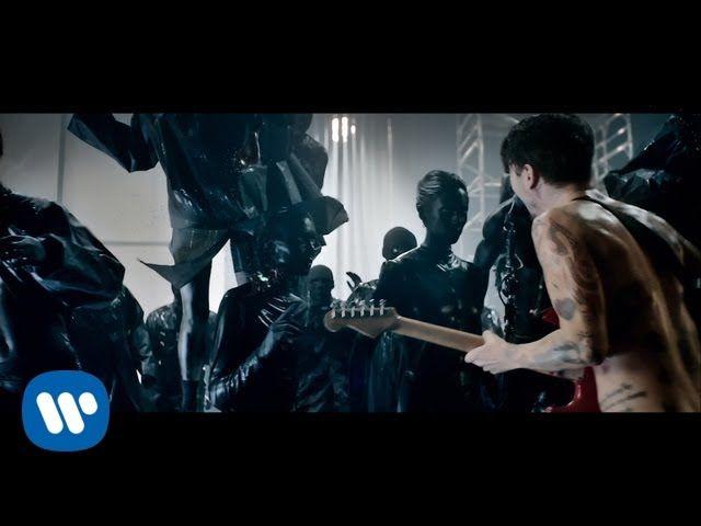 #Graffiti #Music Biffy Clyro - Black Chandelier (Official Music Video)