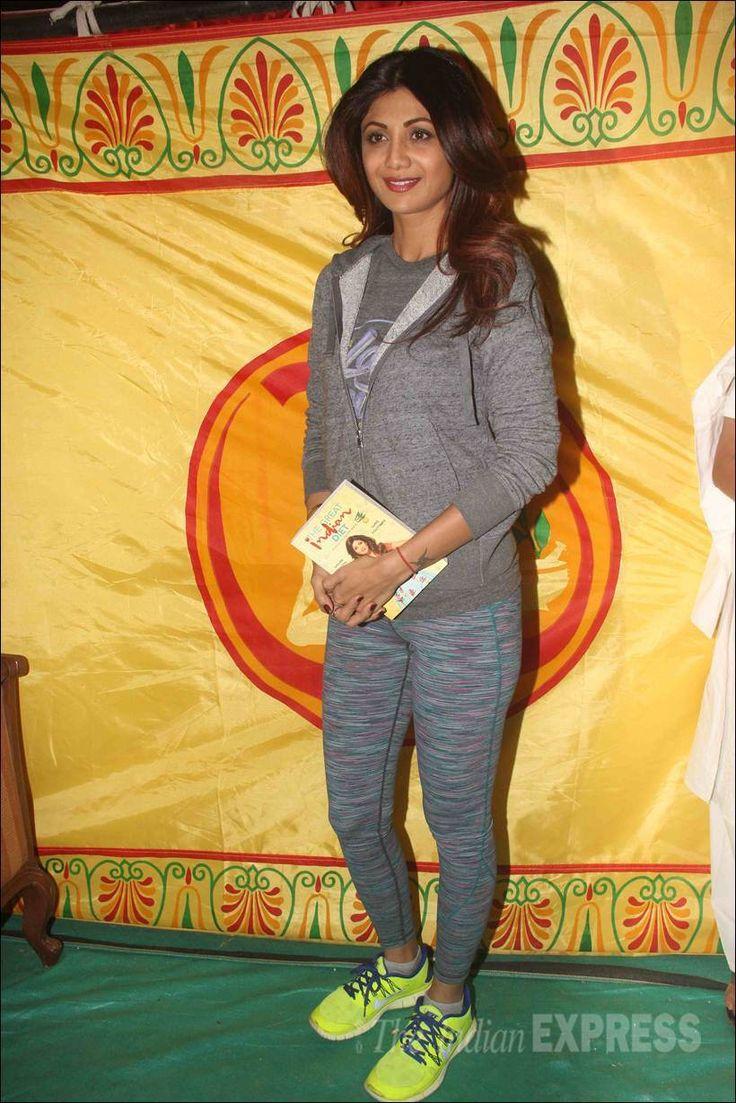 Shilpa Shetty's yoga session with Baba Ramdev. #Bollywood #Fashion #Style #Beauty #Hot #Yoga #Sexy