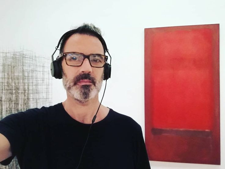 """""""It is really a matter of ending this silence and solitude, of breathing and stretching one's arms again"""" #rothko #markrothko #selfie #instaselfie #beardedselfie #instabeard #art #arte #painting..."""