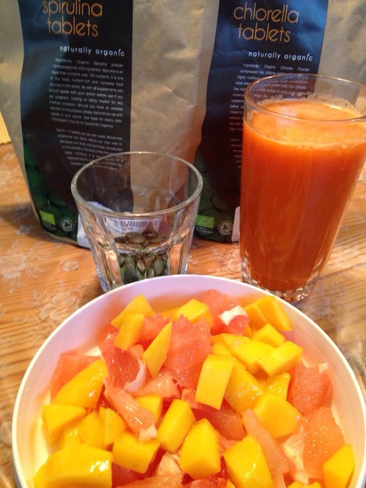 Mango-Grapefruit Salad & Carrot,Apple,Ginger Juice