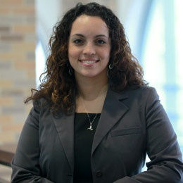 Learning from the Best: Desiree Henry '10MBA Brings Alumni and Students Together